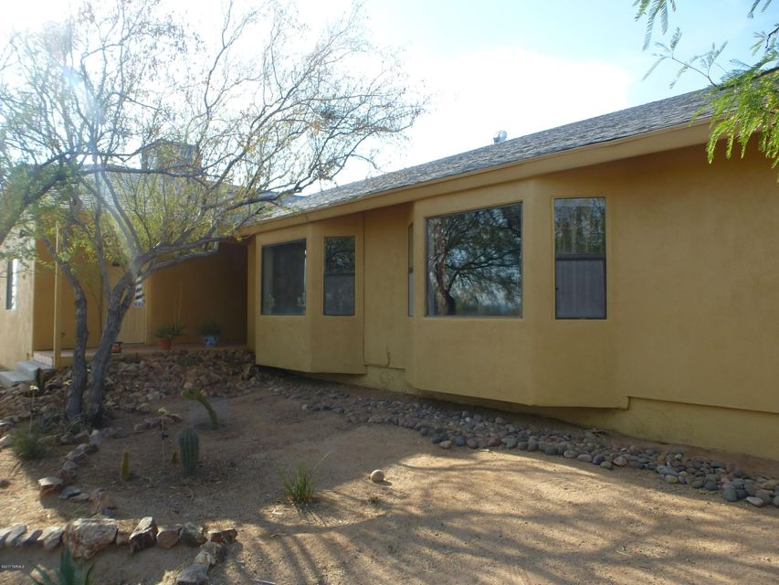 5440 N Old West Road, Tucson, AZ 85743