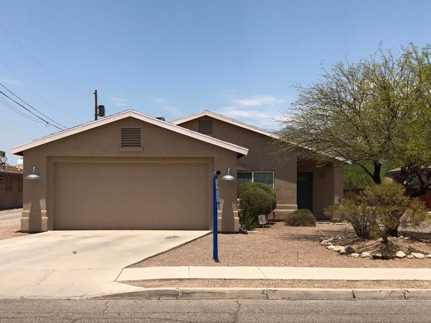3437 E Blacklidge Drive, Tucson, AZ 85716