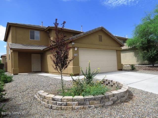 667 W Desert Blossom Drive, Green Valley, AZ 85614