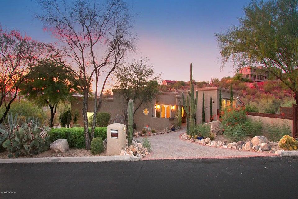 9815 N La Reserve Place, Tucson, AZ 85737