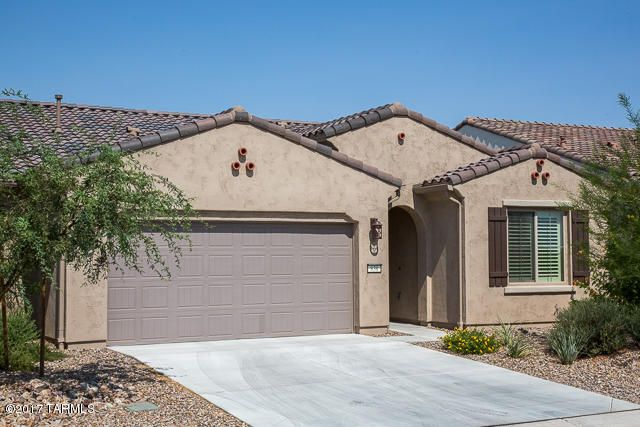 838 N Broken Hills Drive N, Green Valley, AZ 85614
