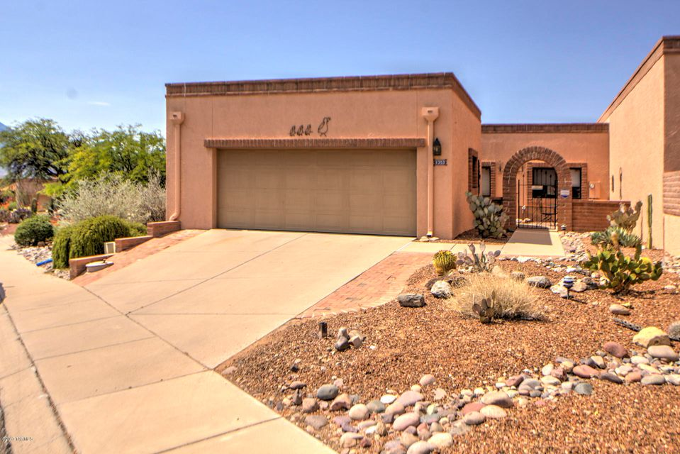 1353 W Camino De La Oca, Green Valley, AZ 85622