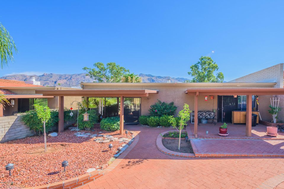 5676 N Calle De La Reina, Tucson, AZ 85718