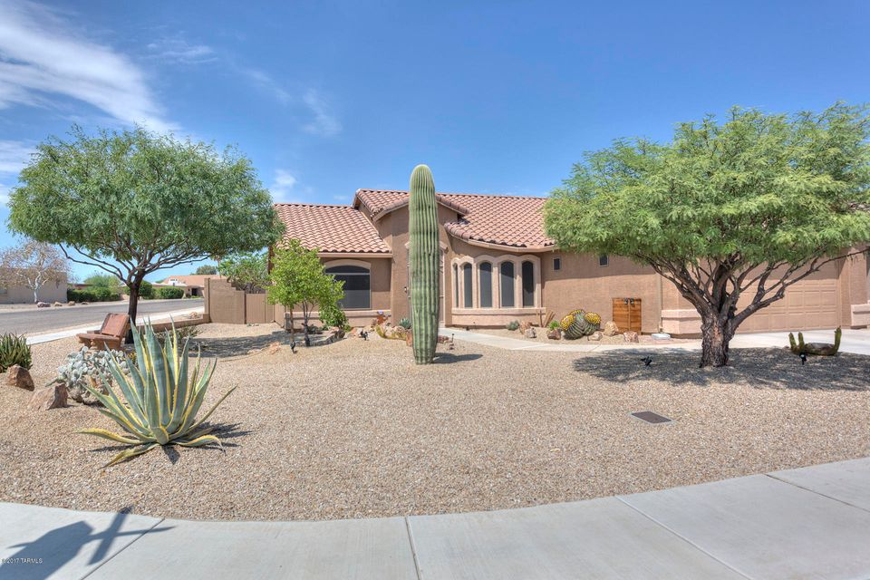 1571 N Rio Bonito, Green Valley, AZ 85614