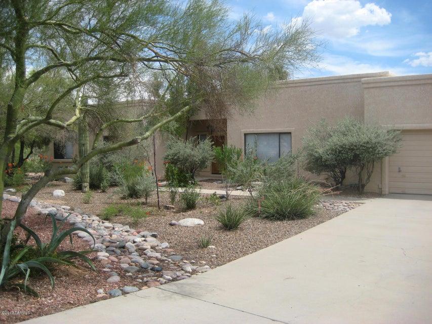 800 E Placita de Arnoldo, Tucson, AZ 85718