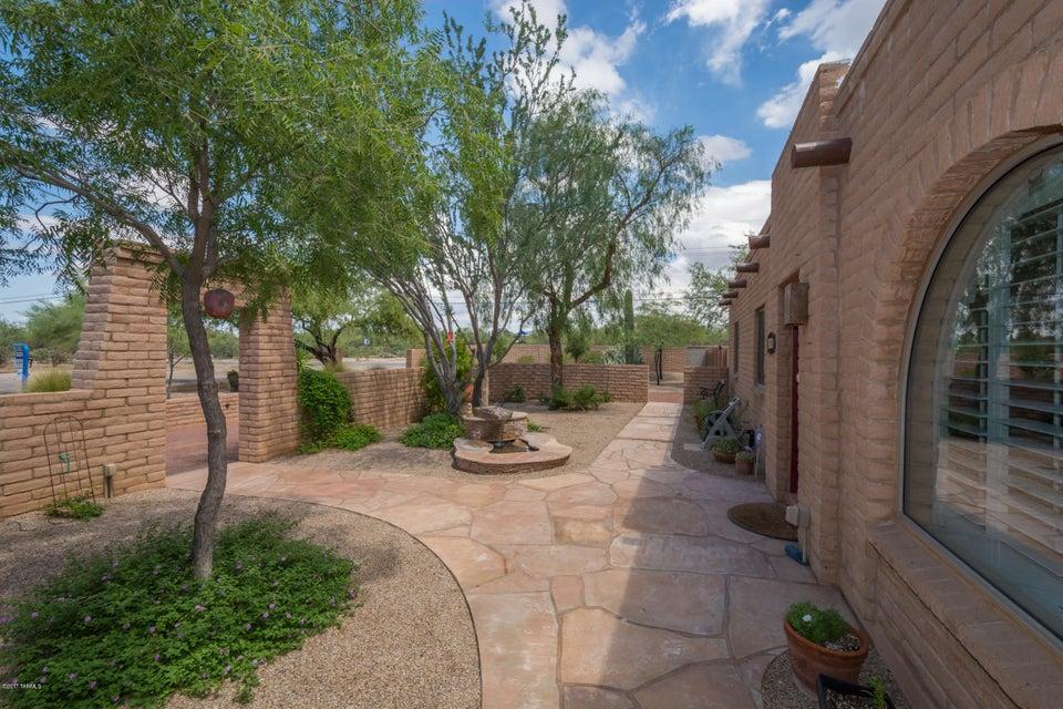 8790 N Morning View Drive, Tucson, AZ 85704