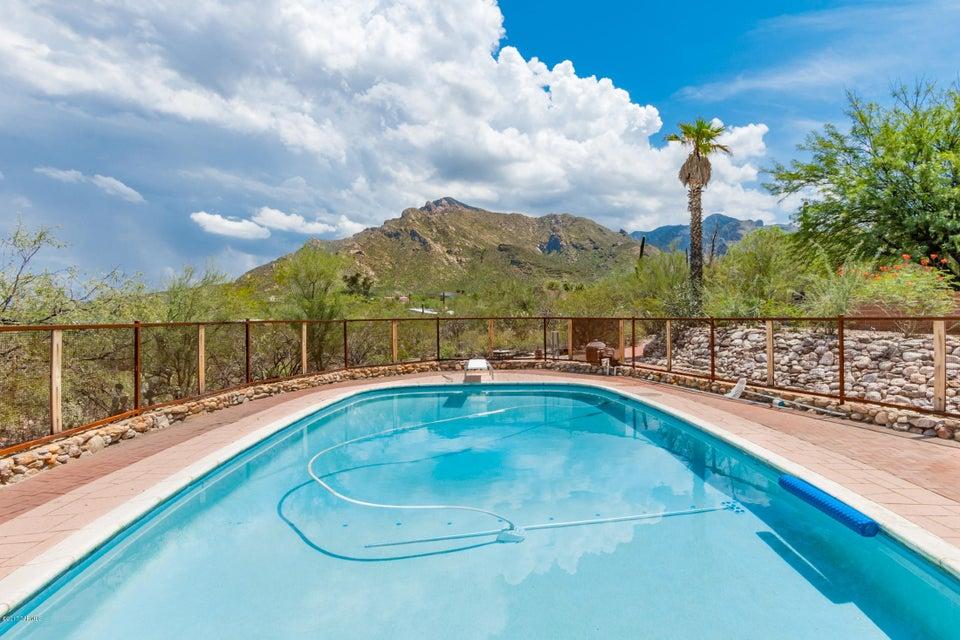 7827 N Sussex Court, Tucson, AZ 85704