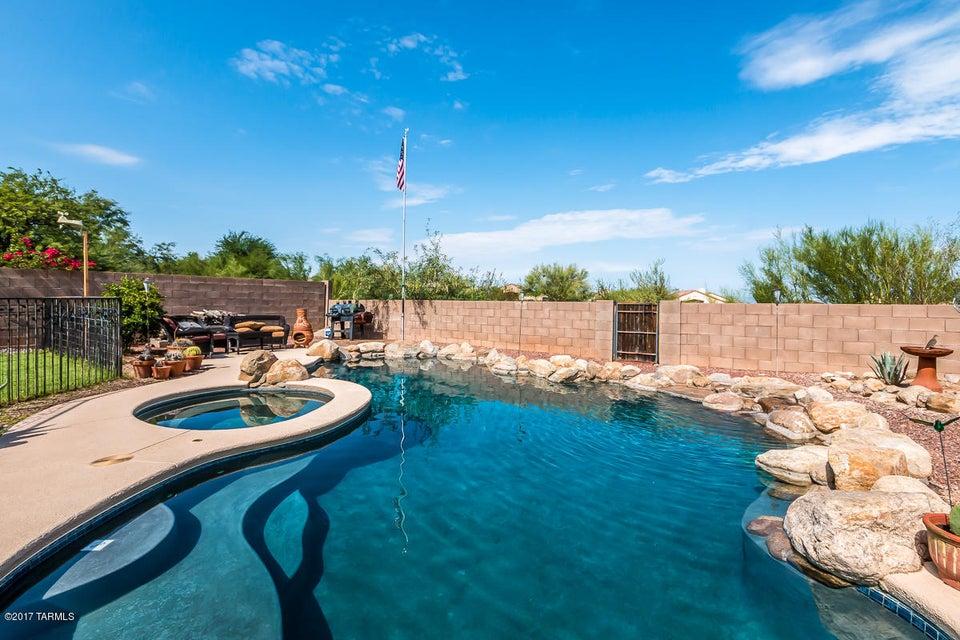 781 N Promontory Drive, Tucson, AZ 85748