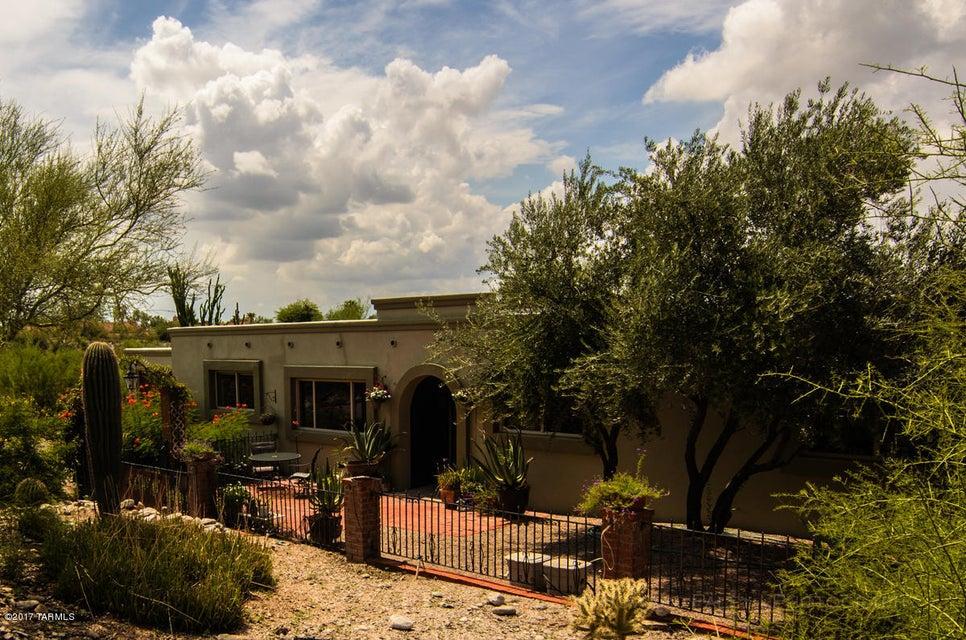 6421 N Camino Arturo, Tucson, AZ 85718