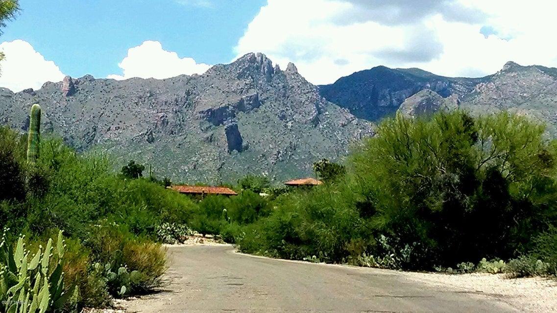 5800 N Via Elena, Tucson, AZ 85718