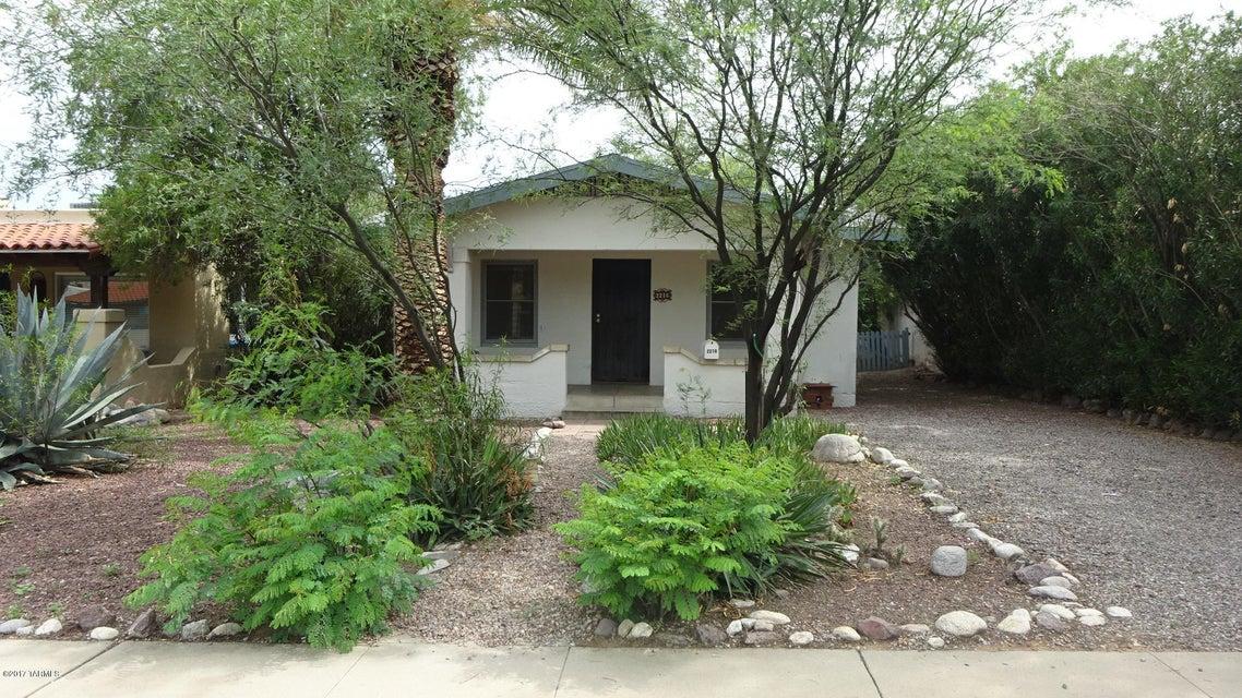 2216 E Hawthorne Street, Tucson, AZ 85719