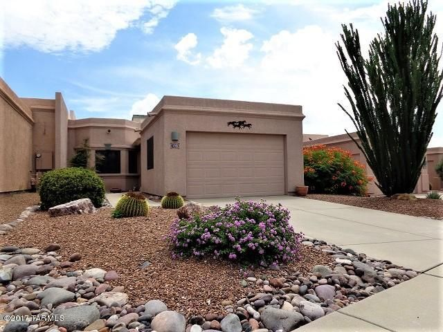 196 N Crescent Bell Drive, Green Valley, AZ 85614