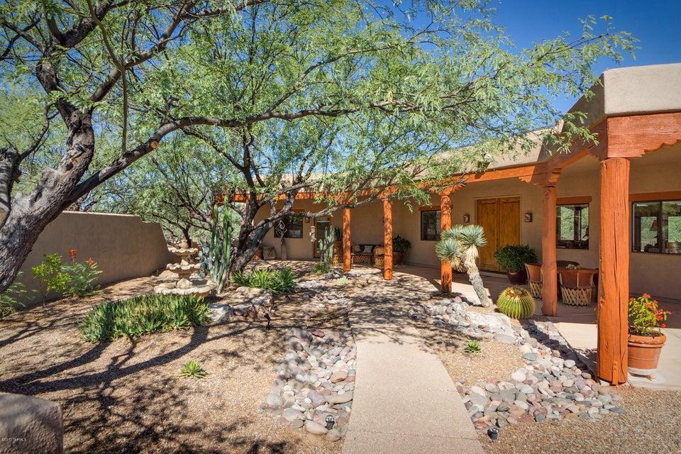 8705 E Honeybear Place, Tucson, AZ 85749