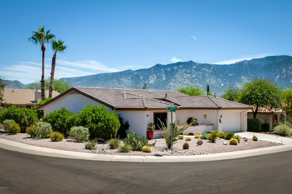 951 E Coachwood Drive, Oro Valley, AZ 85755