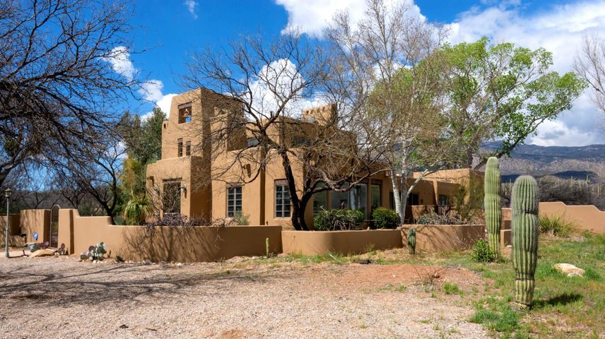 6480 S Upper Valley Road Vail, AZ 85641
