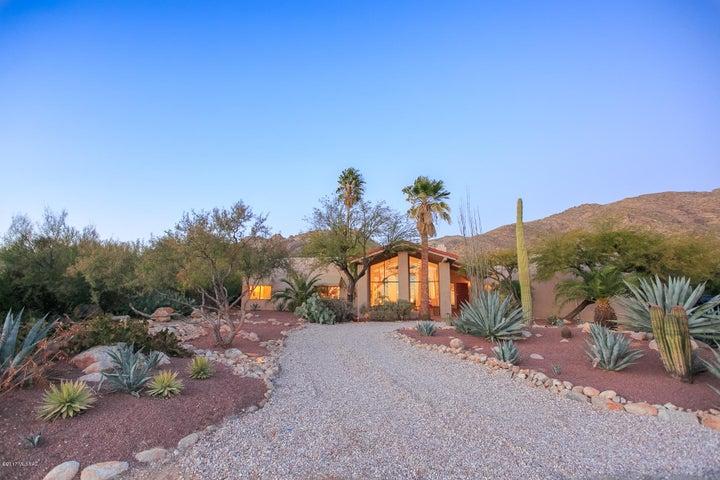 2461 E Placita Sin Lujuria Tucson, AZ 85718