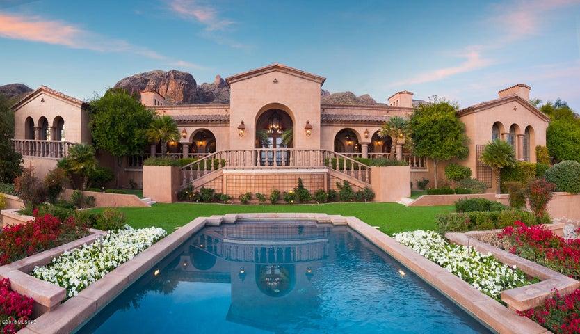 7406 N Secret Canyon Drive Tucson, AZ 85718