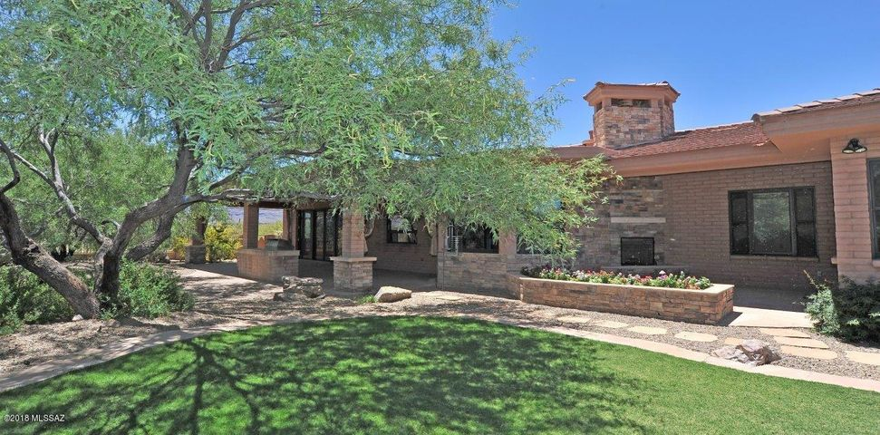 8420 S Long Bar Ranch Place Vail, AZ 85641