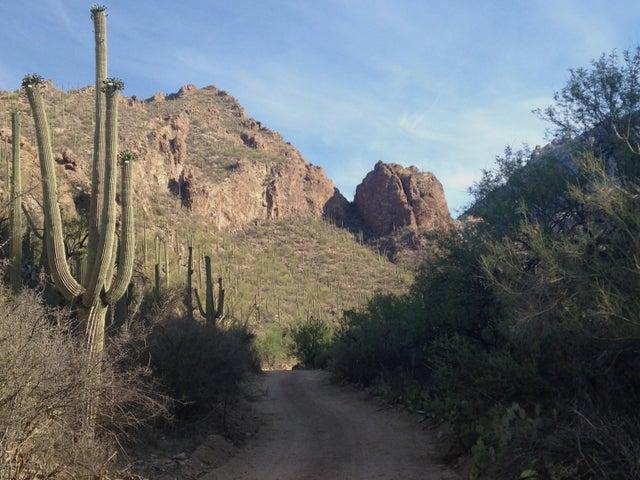 6809 N Flying V Ranch Road Tucson, AZ 85750