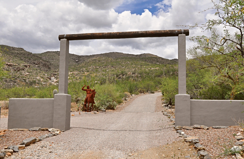 5901 S High Valley Road Vail, AZ 85641