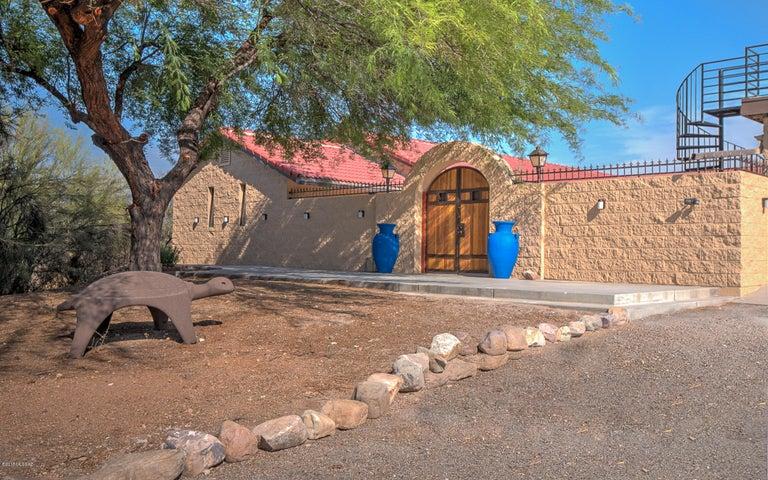 620 N Lazy J Way Tucson, AZ 85748