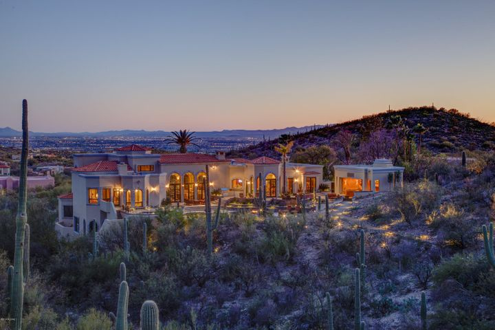 5831 E Finisterra Tucson, AZ 85750