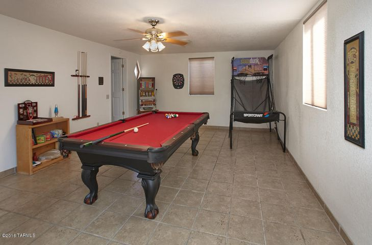 Large and Flexible Living Space in Shadow Hills - The Catalina Foothills