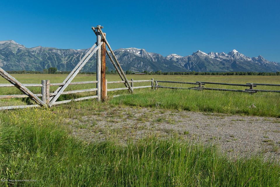 Additional photo for property listing at TRACT 3 SPRING GULCH RANCH Jackson, WY TRACT 3 SPRING GULCH RANCH Jackson, Wyoming,83001 United States