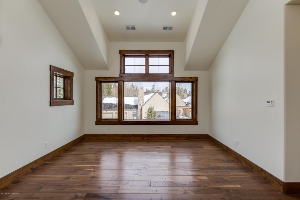 Additional photo for property listing at 3240 N TETON PINES DRIVE Wilson, WY 3240 N TETON PINES DRIVE Wilson, Wyoming,83014 Hoa Kỳ
