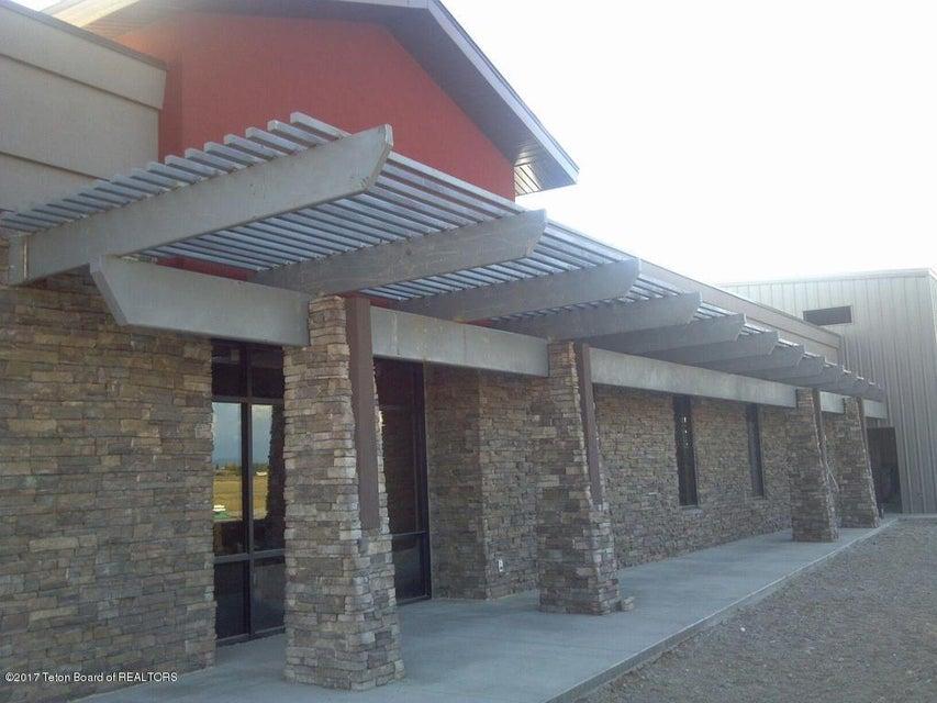 64 RUNWAY LN, Pinedale, WY 82941