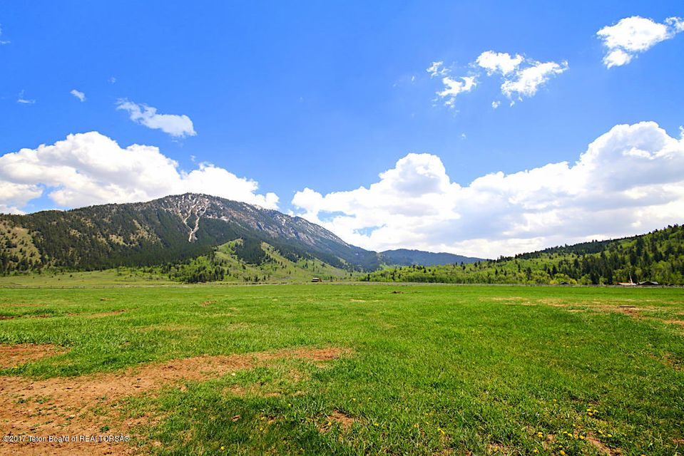 Additional photo for property listing at Bourbon Whiskey Ranch 13455 BRYAN FLAT RD, Jackson, WY Jackson, Γουαϊομινγκ,83001 Ηνωμενεσ Πολιτειεσ