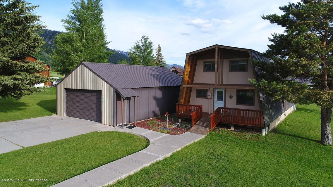 724 VISTA DR, Star Valley Ranch, WY 83127