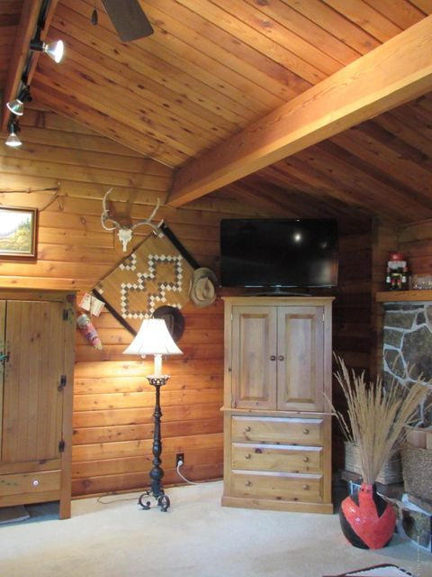 Additional photo for property listing at 2030&2040 SOUTH PARK RANCH ROAD Jackson, WY 2030&2040 SOUTH PARK RANCH ROAD Jackson, Wyoming,83001 États-Unis