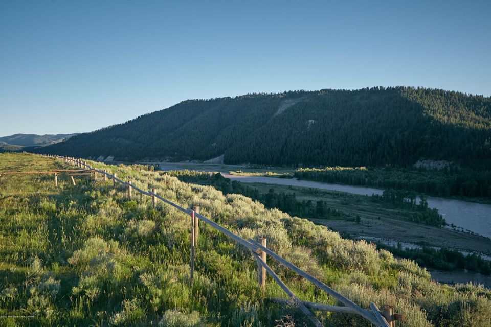 Terrain / Lots pour l Vente à RIVER BEND RD-RANCH ESTATE 5 Jackson, WY RIVER BEND RD-RANCH ESTATE 5 Jackson, Wyoming,83001 États-Unis