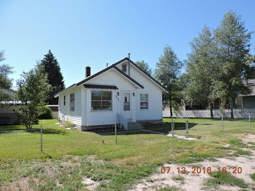 242 S TYLER AVE, Pinedale, WY 82941