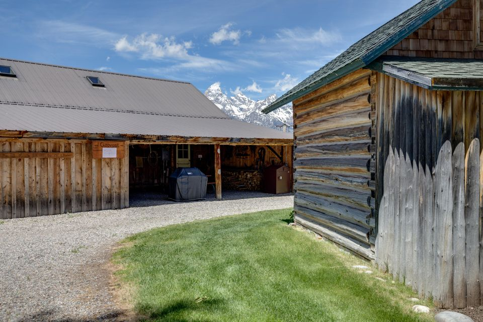 Additional photo for property listing at 202 MORMON ROW ROAD Kelly, WY 202 MORMON ROW ROAD Kelly, Wyoming,83011 United States