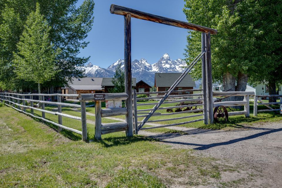 Additional photo for property listing at 202 MORMON ROW ROAD Kelly, WY 202 MORMON ROW ROAD Kelly, 懷俄明州,83011 美國