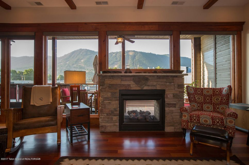 Additional photo for property listing at 177 CENTER ST Jackson, WY 177 CENTER ST Jackson, Wyoming,83001 Verenigde Staten