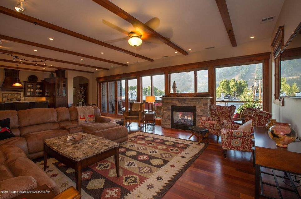 Additional photo for property listing at Jackson, WY  Jackson, ワイオミング,83001 アメリカ合衆国