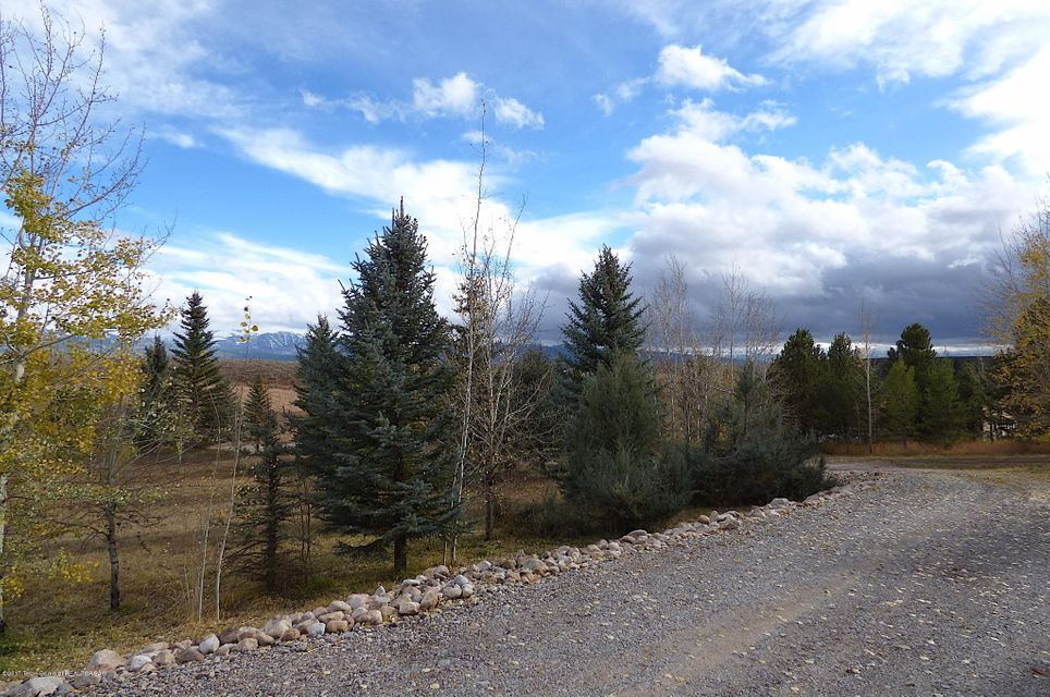 Additional photo for property listing at 8198 WINDBREAK Tetonia, ID 8198 WINDBREAK Tetonia, Idaho,83452 Estados Unidos