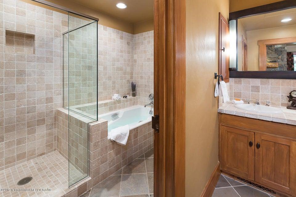 Additional photo for property listing at 3420 W EAGLE CREST RD Jackson, WY 3420 W EAGLE CREST RD Jackson, Wyoming,83001 Estados Unidos