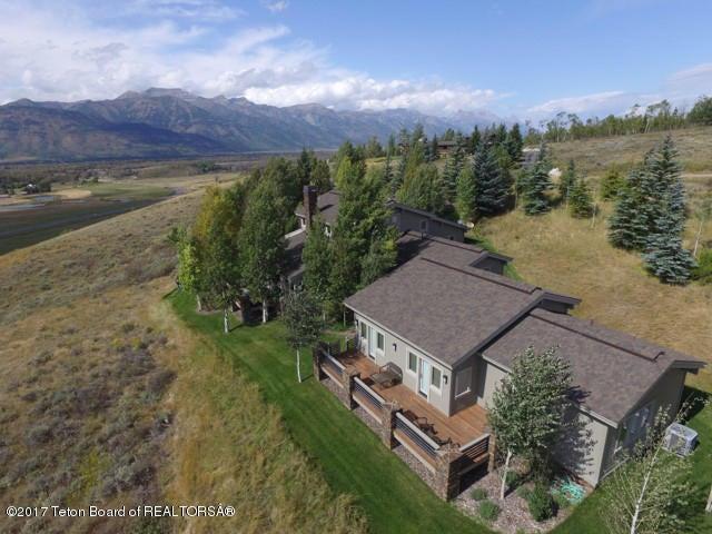 Casa para uma família para Venda às 525 N SPUR RD Jackson, WY 525 N SPUR RD Jackson, Wyoming,83001 Estados Unidos