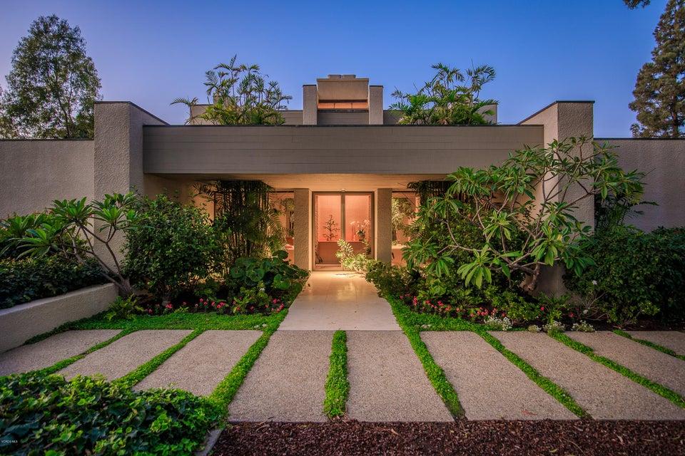 Single Family Home for Sale at 774 Calle Del Norte 774 Calle Del Norte Camarillo, California 93010 United States