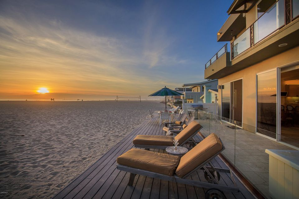 Single Family Home for Sale at 1117 Ocean Drive 1117 Ocean Drive Oxnard, California 93035 United States