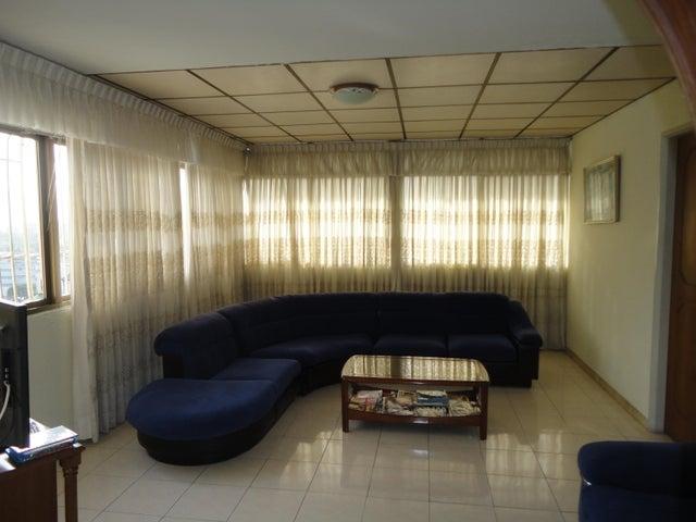 Apartamento En Venta En Caracas - Los Chaguaramos Código FLEX: 15-5557 No.8