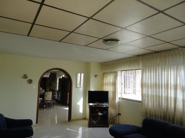 Apartamento En Venta En Caracas - Los Chaguaramos Código FLEX: 15-5557 No.6
