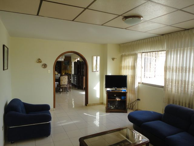 Apartamento En Venta En Caracas - Los Chaguaramos Código FLEX: 15-5557 No.7