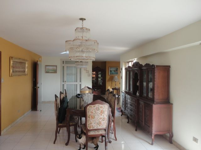 Apartamento En Venta En Caracas - Los Chaguaramos Código FLEX: 15-5557 No.3