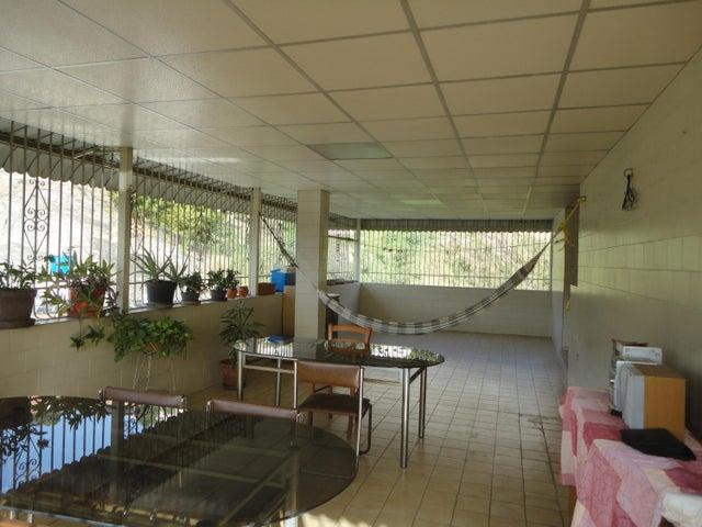 Apartamento En Venta En Caracas - Los Chaguaramos Código FLEX: 15-5557 No.16