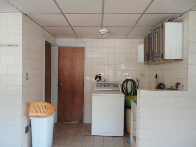 Apartamento En Venta En Caracas - Los Chaguaramos Código FLEX: 15-5557 No.17